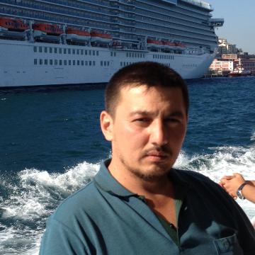 Amir Freeman, 36, Istanbul, Turkey