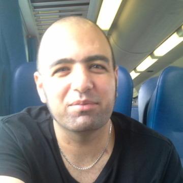 Adi, 34, Torino, Italy