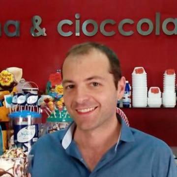 Dario, 40, Napoli, Italy