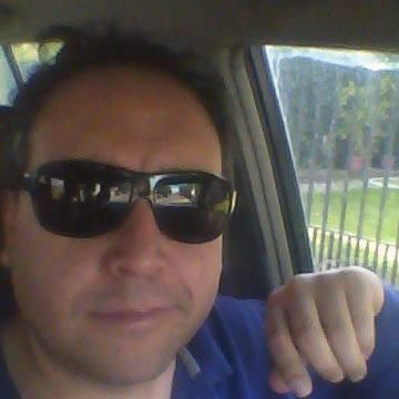 Héctor P., 34, Pichidegua, Chile