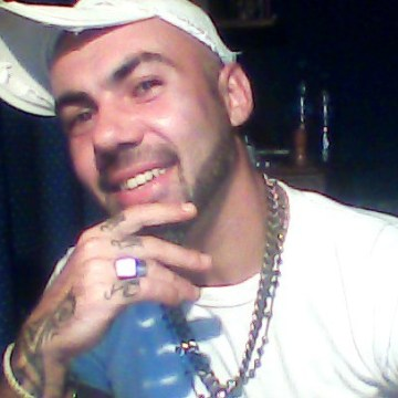 Soyel Navarro Jr, 33, Pedralba, Spain