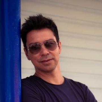 Jonathan Hernandez, 44, Guayaquil, Ecuador