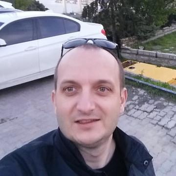 Erhan, 41, Istanbul, Turkey
