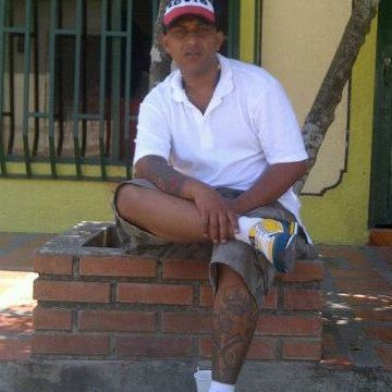 ivan, 37, Medellin, Colombia