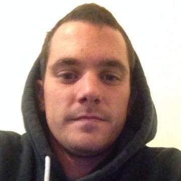 Brad butler, 28, Chatham, United Kingdom