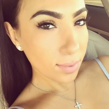 Ahnee Bidwell, 34, Chicago, United States
