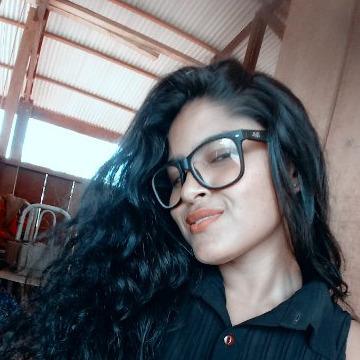 Alice Santos, 22,