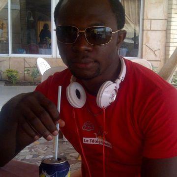 Ebu Don, 38, Abu Dhabi, United Arab Emirates