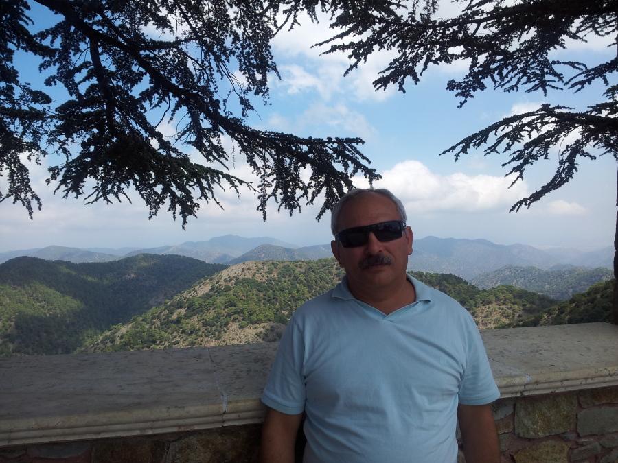 Mark Ravinov, 52, Tel Aviv, Israel