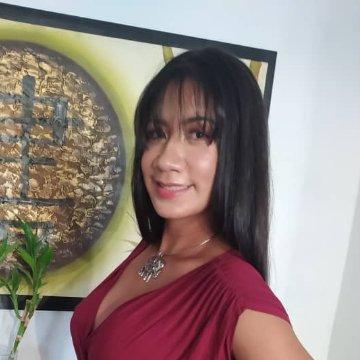 Alba, 30, Caracas, Venezuela