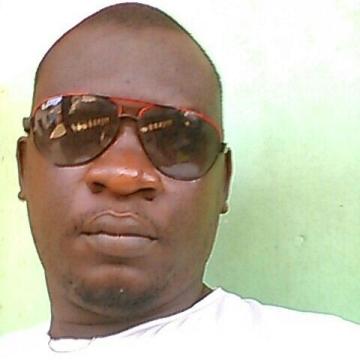 Lamsageh, 40, Douala, Cameroon