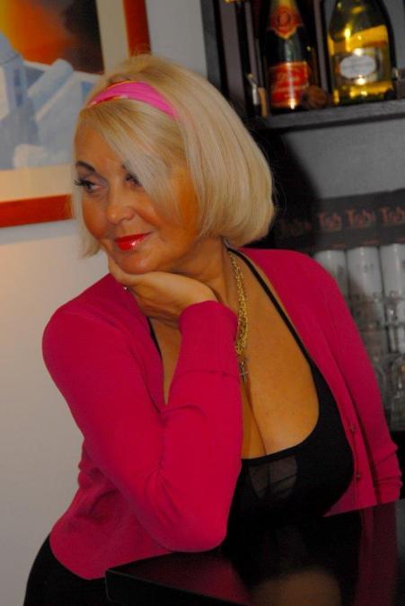 Anna Ivanovo, 42, Modena, Italy