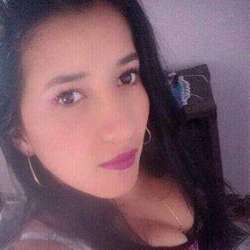 Johannita León, 26, Medellin, Colombia