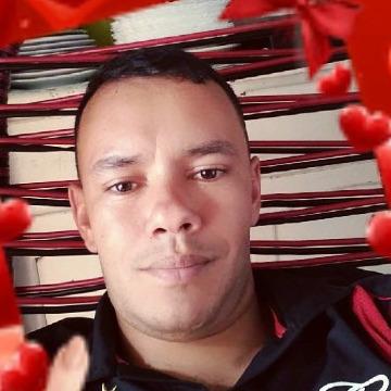 Sergio, 33, Goianira, Brazil