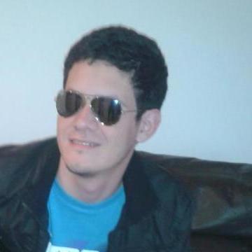 Miguel Gómez, 31, Neuquen, Argentina