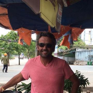 Craig, 48, Phnumpenh, Cambodia