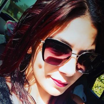 Suzan Pereira, 31, Uruguaiana, Brazil