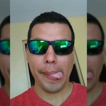 Cesar Guv, 38, Lima, Peru