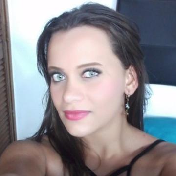 Sandra londoño, 26, Medellin, Colombia