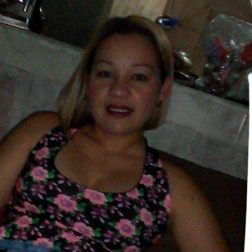 Yeraldin Ilarraza, 36, Maracay, Venezuela