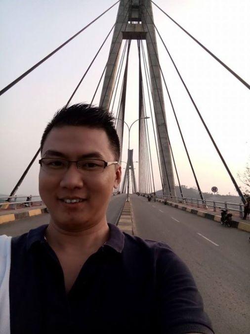 Ronny Salim, 38, Medan, Indonesia