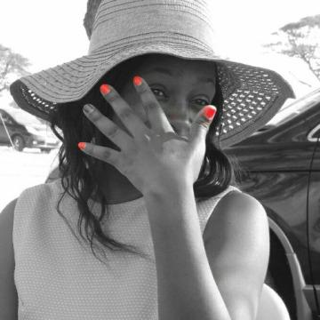 Annr, 30, Nairobi, Kenya
