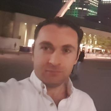 Alaa, 35, Montreal, Canada