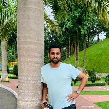 Ariyan, 35, Dhaka, Bangladesh