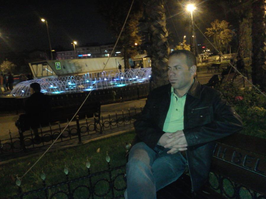 Yarub, 48, Istanbul, Turkey