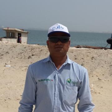 Raj, 48, al-Jubayl, Saudi Arabia
