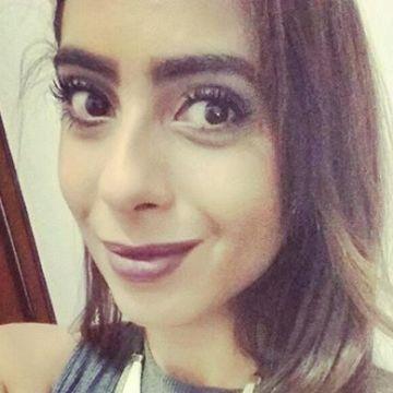 Beatriz Cabral, 25, Manaus, Brazil