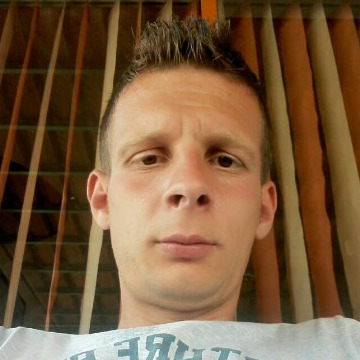 Gramos Zenunaj, 26, Fier, Albania