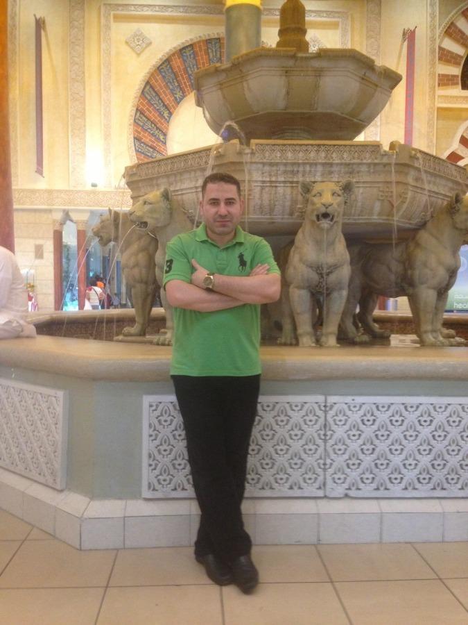 Raed, 38, Dubai, United Arab Emirates