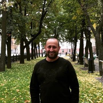 Yusuf Uluğ, 32, Izmir, Turkey