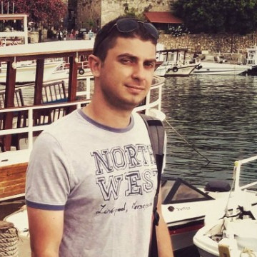 Nour Kattan, 31, Beyrouth, Lebanon