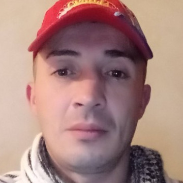 Goran, 37,