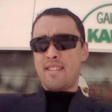 Iskandar Nematjanov, 38, Tashkent, Uzbekistan