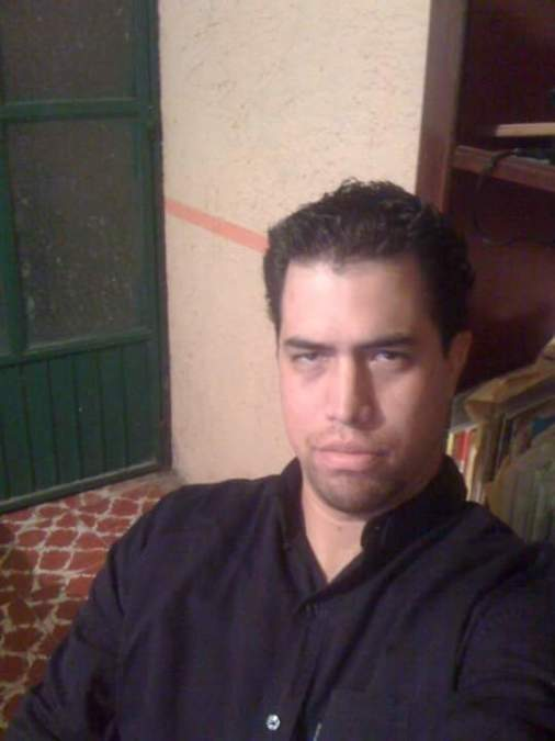 Large Rojas, 40, Mexico City, Mexico