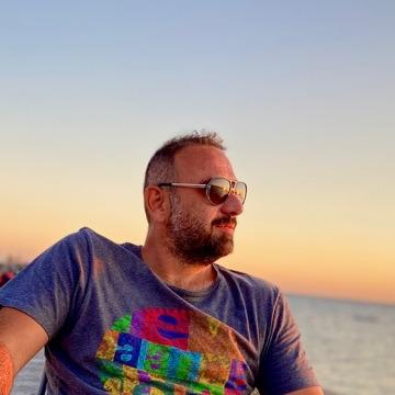 Gökhan, 41, Istanbul, Turkey