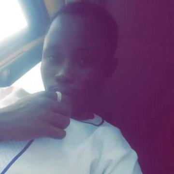 Young tee, 31, Lagos, Nigeria