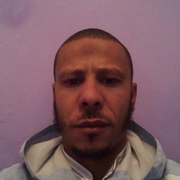 Boukhalfa, 35, Oran, Algeria