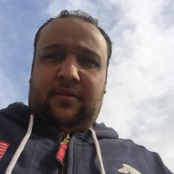 Mamdoh, 30, Cairo, Egypt