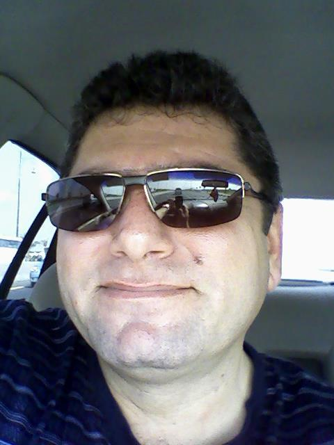 sarkis, 55, Dubai, United Arab Emirates
