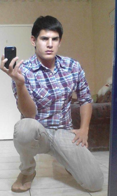 César Pérez Dávila, 31, Aguascalientes, Mexico