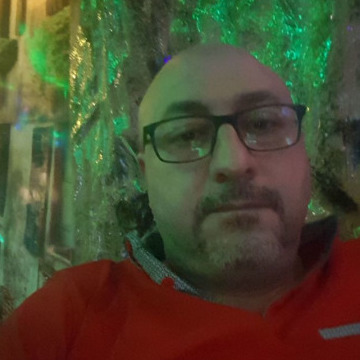 Ghass, 40, Dubai, United Arab Emirates