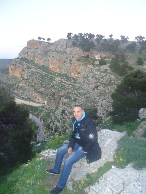 Ali Kechiti, 37, Oran, Algeria