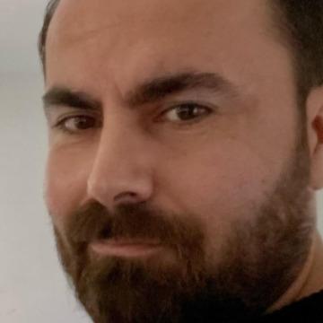 Erdinç Demir, 42, Istanbul, Turkey