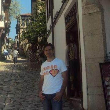 HAKAN ÇETİNLER, 41, Istanbul, Turkey