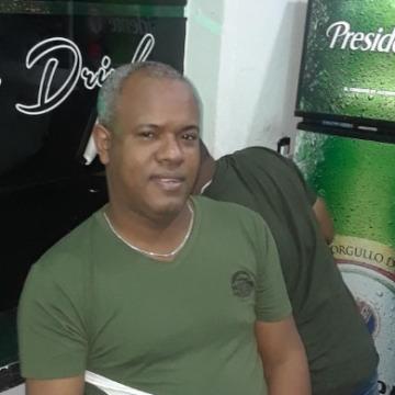 Querliz Perez, 43,