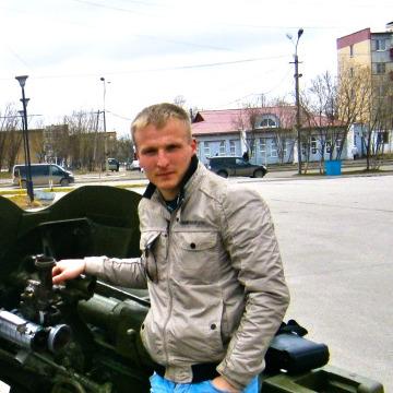 Илья Гутковский, 33,